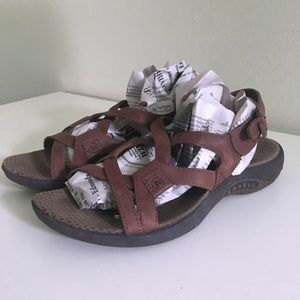 Mettle brown size 8 sandals